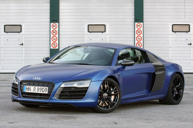 Here's A Review & Test Drive Of The 2014 Audi R8