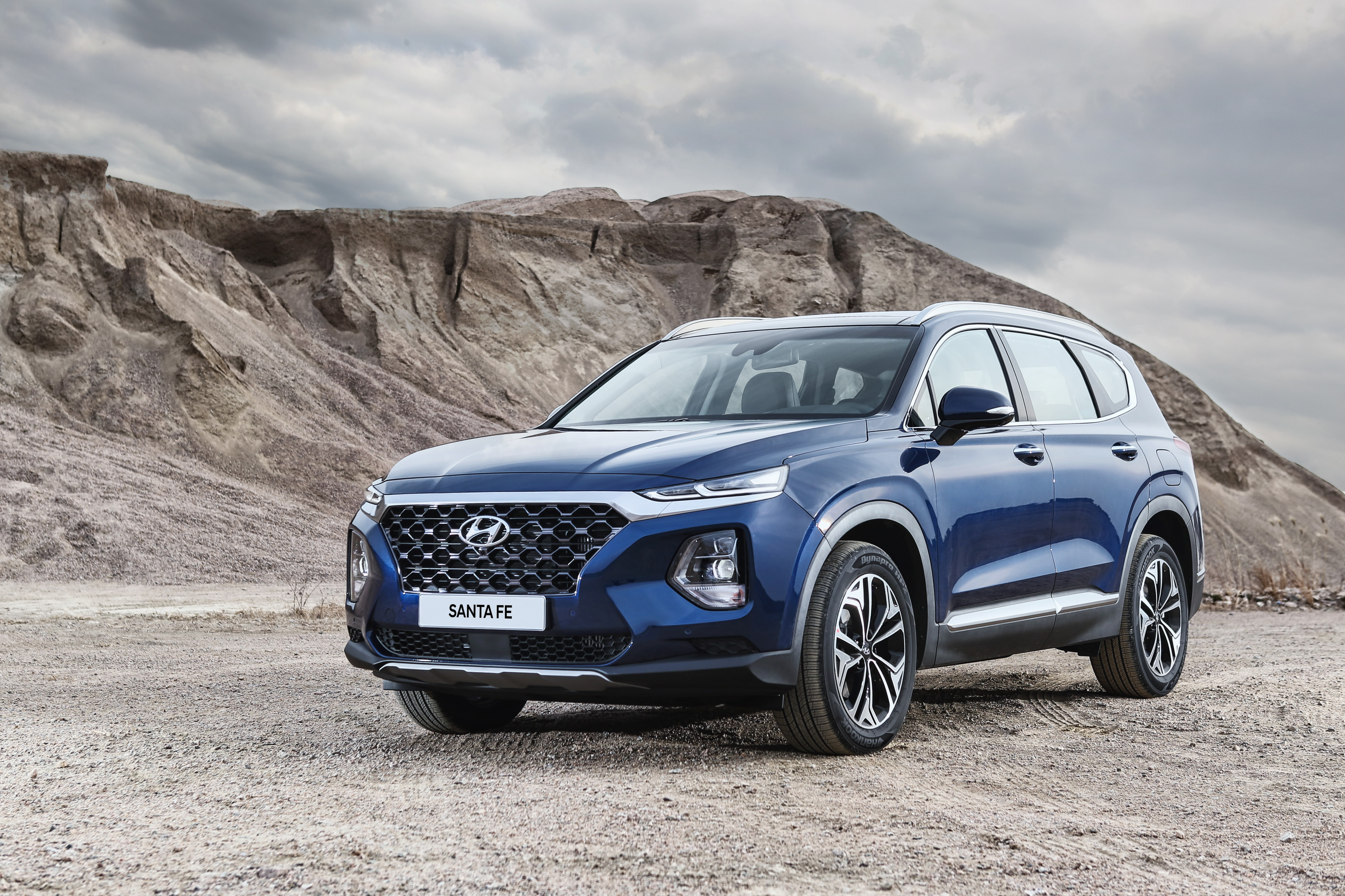 The 2019 Hyundai Santa Fe Challenges the Competition