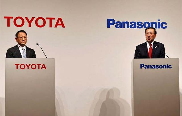 Toyota and Panasonic Team Together to Develop Electric Batteries